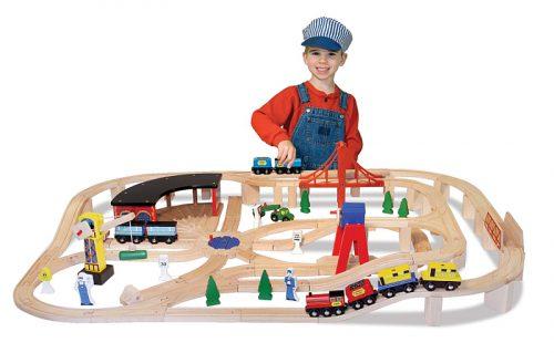 Set Trenulet din lemn cu depou Melissa and Doug-0